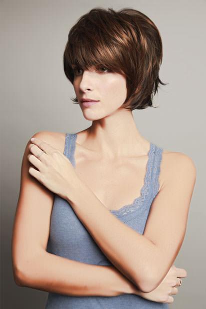 Photo perruque femme Ava cheveux courts