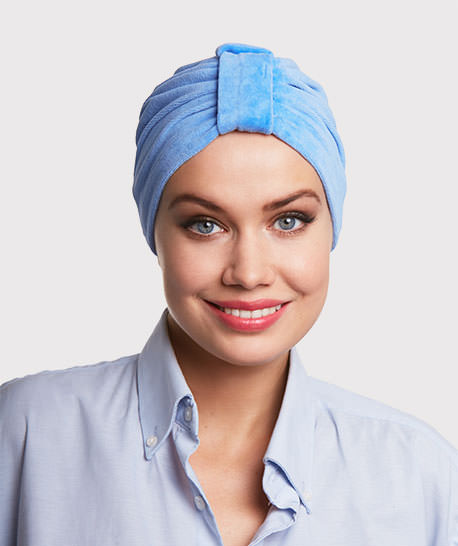 photo mannequin avec turban eponge velours bleu