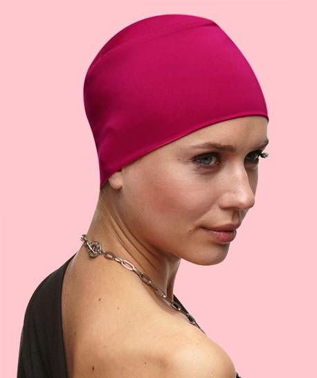 photo turban modèle plume rouge